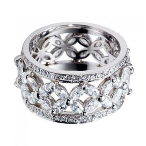 Кольцо из белого золота с алмазами и бриллиантами
