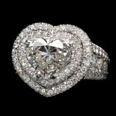 Кольцо из белого палладиевого золота с большим бриллиантом сердце