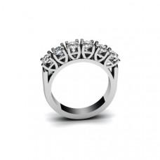 Кольцо из белого с золота с бриллиантами..