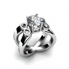 Кольцо из белого золота с большим с овальным бриллиантом