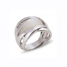 Кольцо из белого золота с перламутром