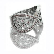 Кольцо из белого золота с рубинами..