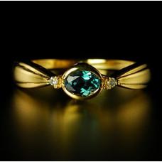 Кольцо из желтого золота с бриллиантами и александритом