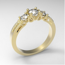 Кольцо  из желтого золота с крупными бриллиантами