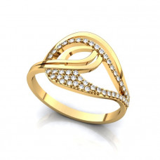Кольцо из желтого золота в виде узора с бриллиантами..