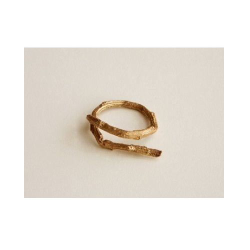 Кольцо из желтого золота в виде веточки