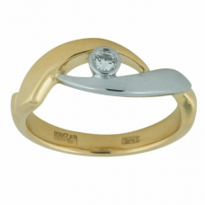 Кольцо из комбинированного золота c бриллиантом