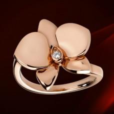 Кольцо из красного золота с бриллиантом..