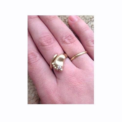 Кольцо на рождение ребенка из желтого золота с бриллиантом