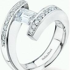 Кольцо помолвочное из белого золота с бриллиантами и алмазом