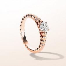 Кольцо помолвочное из красного золота с одним бриллиантом..