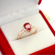Кольцо с рубином и бриллиантами..