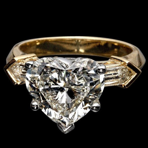 "Кольцо ""Сердце"" из комбинированного золота с бриллиантами"