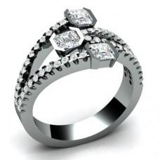 Помолвочное кольцо из белого золота с алмазами и бриллиантами