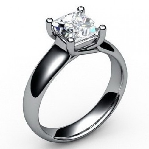 Помолвочное кольцо из белого золота с алмазом