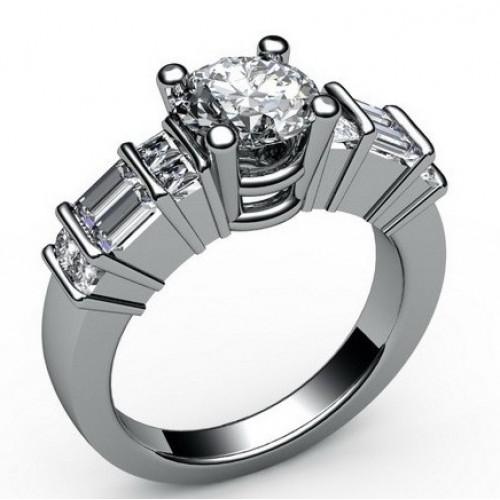 Помолвочное кольцо из белого золота с бриллиантами и алмазами