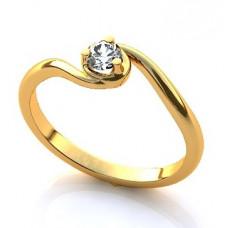 Помолвочное кольцо из желтого золота с бриллиантами..