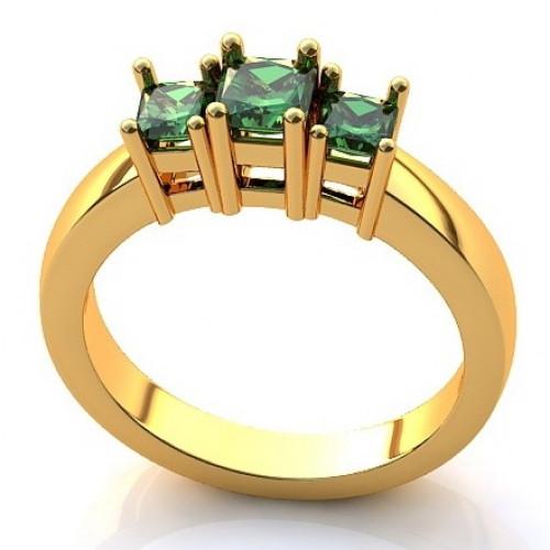 Помолвочное кольцо из желтого золота с изумрудами