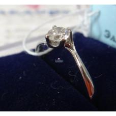 Помолвочное кольцо из платины с бриллиантом