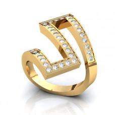 Помолвочное кольцо не стандартной формы из желтого золота с  бриллиантами