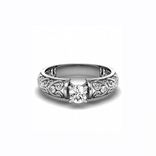 Помолвочное кольцо с бриллиантами и узорами из белого золота