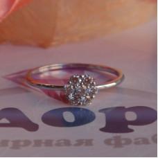 Помолвочное кольцо с цветком из бриллиантоd из белого родированого золота