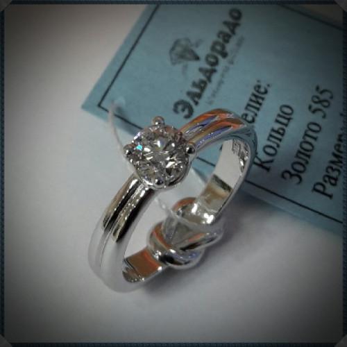Помолвочное кольцо Узелок из белого золота с бриллиантом